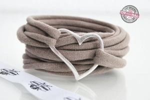 Fabric bracelet wrapped beige silver plated by AndreaTraubFASHION, €9.95